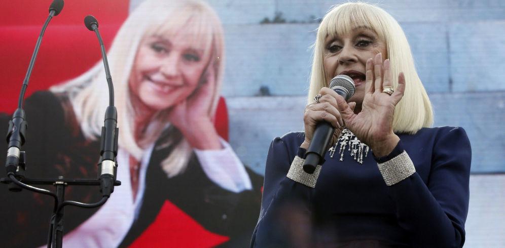 Raffaella Carrà, reina orgullosade la Embajada de Italia